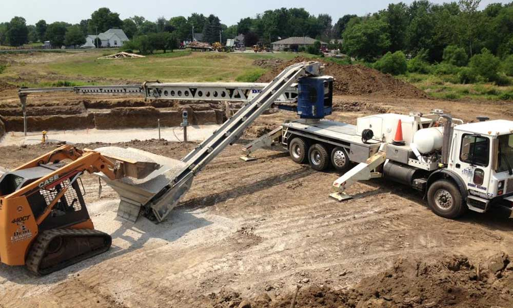 Material-Placement-Telebelt--Concrete-Pumping